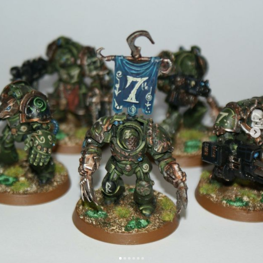 Five Nurgle-themed terminators with various weapons, in green armour. The leader bears a blue banner with a bone-white 7 icon.